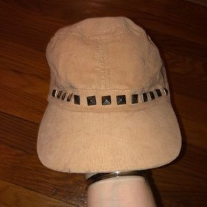 Corduroy studded hat